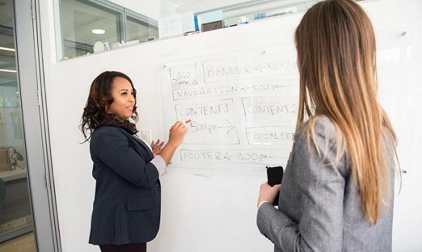 Scholarships for Hispanic women course.